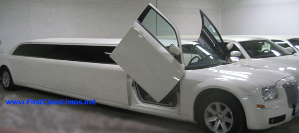 Chrysler 300 with lambo doors
